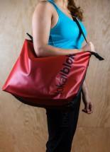 Červená taška<br/><span>300 Kč</span>