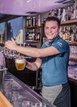 Tomáš<br/><span>Barman</span>